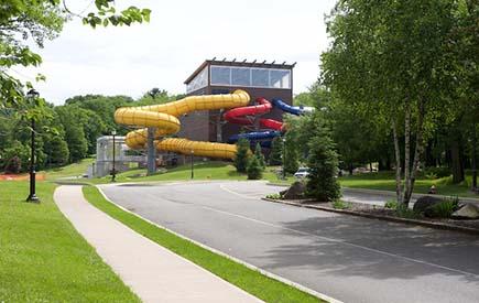 Split Rock Resort - Waterpark Exterior