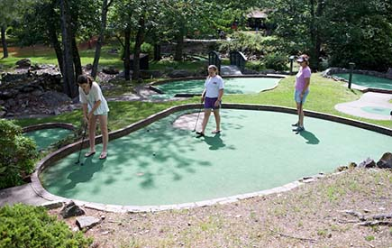 Split Rock Resort - On-Site Mini Golf