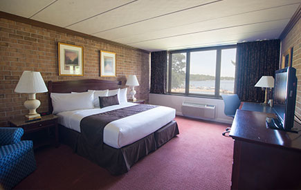 Split Rock Resort Lakeside Lodge