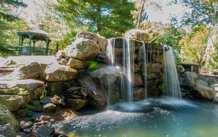 Split Rock Resort – Waterfall