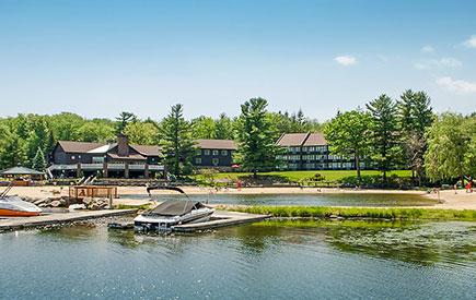 Split Rock Resort Lodge Lake Exterior