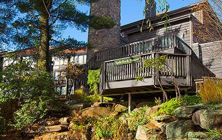 Split Rock Resort Lodge Pond